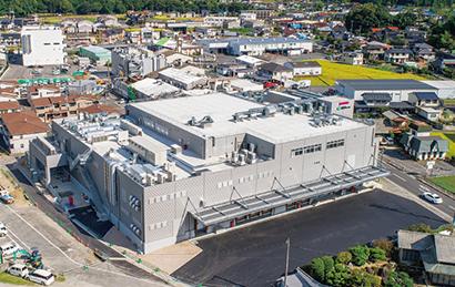 イズミ、惣菜工場「ゆめデリカ本社深川第二工場」完成 最新鋭設備を導入