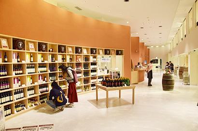 ワイン醸造・観光施設の池田町「ワイン城」。大規模改修し6月にリニューアルオープンした