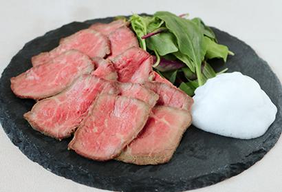 「透明醤油」使用の洋食例(ローストビーフ)