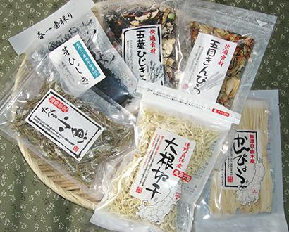 乾物・海産物・豆類特集:一神商事 少量サイズ強化へ 料理例、包材に印刷も