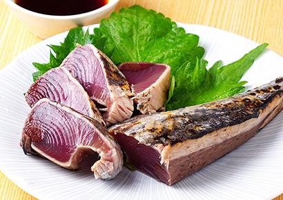 豊洲市場直送の新鮮な魚が豊富に取り揃う