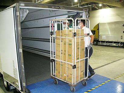 CVS共同配送実験、距離短縮など効果 納品時間の調整が課題