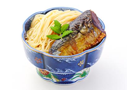長浜萬商、郷土料理「焼鯖そうめん」をインスタントに 簡便商品通じ観光発展へ