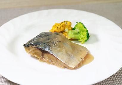 ロングセラー探訪:ヤヨイサンフーズ「国産さばの味噌煮」 缶詰技術を冷食に転用