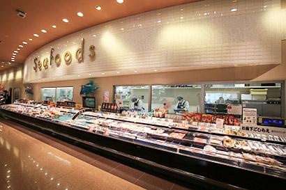 ID-POSデータ分析に基づく併売展開も強化(鮮魚売場コーナー)
