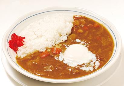 【中国料理店:新世界菜館】「特製カレーライス」990円(税込み) がらスープをベースにした懐かしい味。日販30食以上