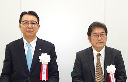 西脇司新会長(左)と西剛平前会長