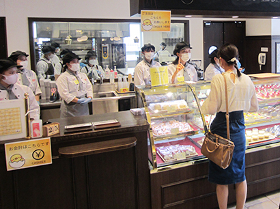 名古屋スイーツ&カフェ専門学校、学内にカフェをオープン 毎年恒例の店舗実習
