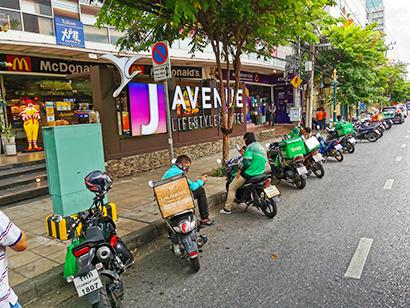 タイでプラごみ激増 コロナ感染第3波、食事宅配急伸が影響