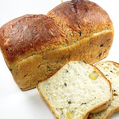 アールベイカー、ベジフルファームと協業で規格外野菜使用パン