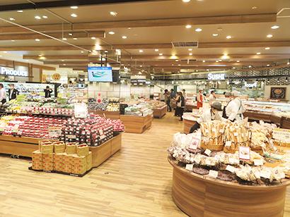 セブン&アイの首都圏食品戦略の核となるヨークは商品供給の共通インフラを整備する