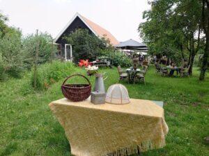 ワクチン接種進むオランダで人気の「収穫庭」 郊外の農地でのんびり楽しむ