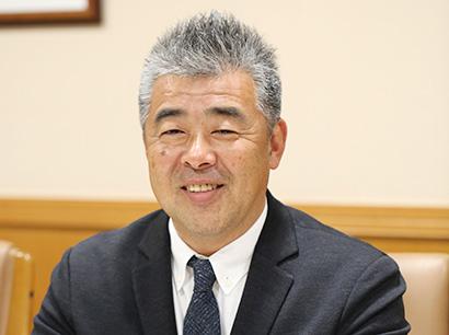 塚越英弘社長