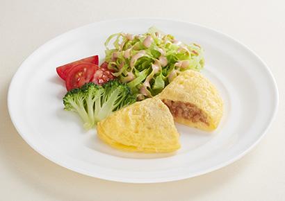 介護食品特集:日本水産 「チキンオムレツPro たんぱく質入り」 朝食向け手…