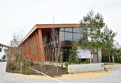 初の外食店舗「てのべたかだや」を1階に設ける新社屋