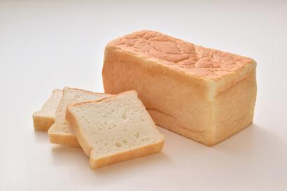 サタケ、日の本製粉と「ふっくら米食」で契約締結 米粉パンの市場開拓を推進