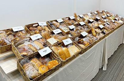 カネカ食品、人気パンを冷凍提供 「ぱん結び」開設